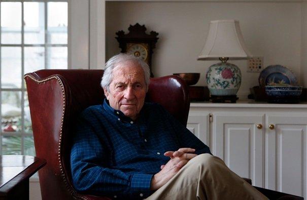 Dr Arthur Langer, który był częścią zespołu Mount Sinai badającego azbest w talku w latach siedemdziesiątych