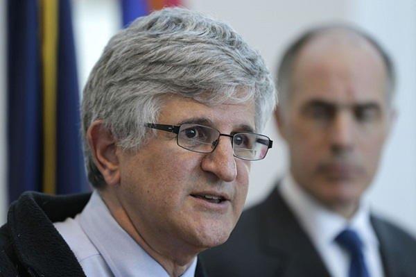 Nie możemy spieszyć się ze szczepionką na koronawirusowa – dr Paul Offit