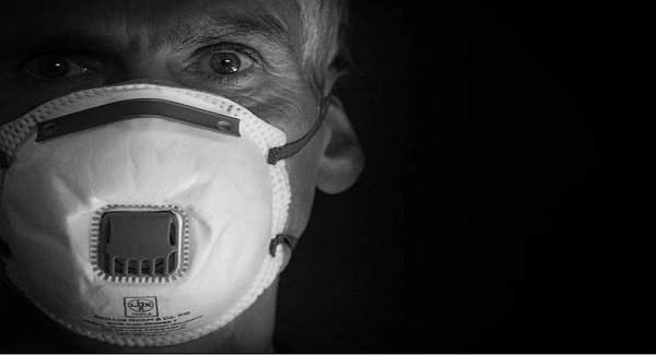 Zagrożenia zdrowotne związane z noszeniem masek - konsultantki OSHA