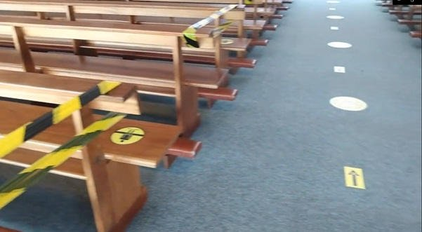 Dystans społeczny w kościele