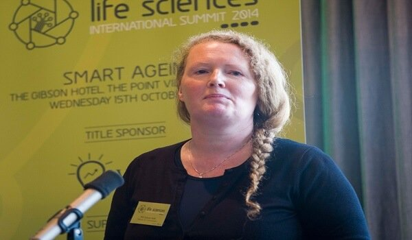 Dr Dolores Cahill: Jak SARS-CoV-2 zmodyfikowano w laboratorium?