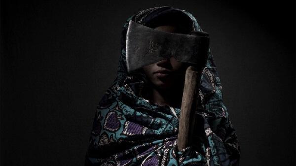 Około 40 procent przypadków przemocy seksualnej wobec kobiet i 10 procent przypadków tejże przemocy wobec mężczyzn w Kongu było egzekwowane przez sprawców płci żeńskiej.